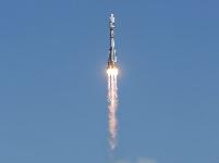 Роскосмос: куда кривая спутники выведет