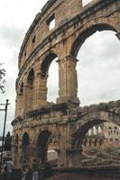 Посмотреть на бои гладиаторов в пульском амфитеатре в I веке нашей эры собиралось больше двадцати тысяч зрителей