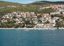 За полтора века Рабац превратился из крохотного рыбацкого посёлка в курортный городок