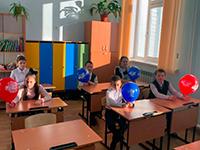 Школа в Зеледеево: потолок ледяной, дверь скрипучая