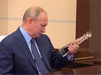 Сечин пришёл к Путину с бутылкой, но голова будет болеть у красноярцев